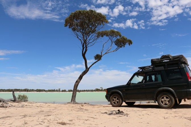 Landrover Solo travelling girl